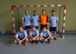 Podium na powiatowym turnieju halowej piłki nożnej drużyn OSP