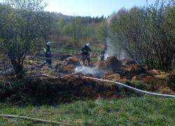 Pożar stogów słomy w Gniewinie
