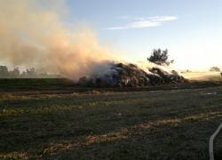 Pożar balotów słomy w Kostkowie