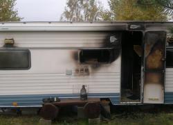 Pożar przyczepy kempingowej w Nadolu